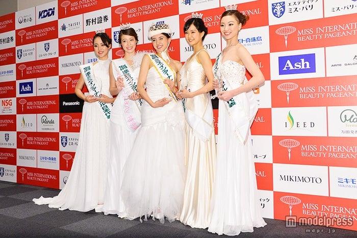 (左から)藤元さやかさん、増田ションフェルド茉莉さん、山形純菜さん、下村彩里さん、川口紗希さん