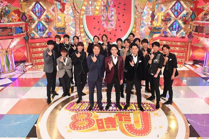 滝沢秀明(前列中央)と今井翼(前列右)のユニット・タッキー&翼が復活(C)テレビ朝日