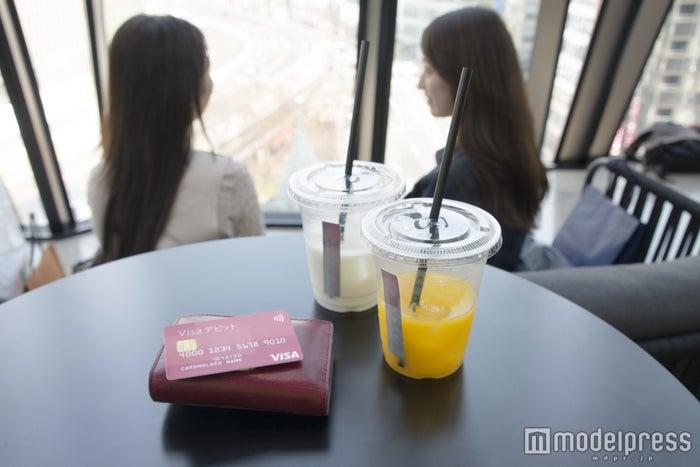 「Visaデビット」がオトナ女子の習慣に(C)モデルプレス