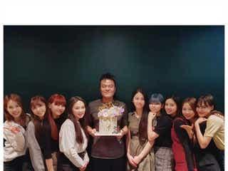 """J.Y. Park、韓国番組でNiziUに言及「日本だけで活動?」自身の""""名言イメージ""""についても語る"""