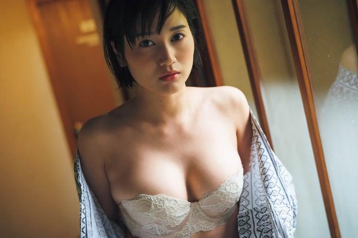 出口亜梨沙(C)藤本和典/週刊FLASH