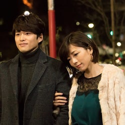 """釈由美子""""ゲス女""""役で新境地 白洲迅に誘惑される<明日の君がもっと好き>"""