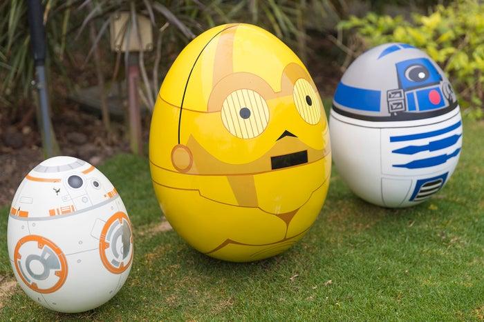 「スター・ウォーズシリーズ」のBB-8、C-3PO、R2-D2(C)Disney and © & TM Lucasfilm Ltd