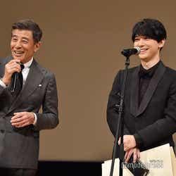 「さらばあぶない刑事」での共演を振り返る舘ひろし、吉沢亮(C)モデルプレス
