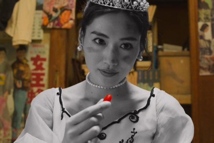 綾瀬はるか(C)2018 映画「今夜、ロマンス劇場で」製作委員会