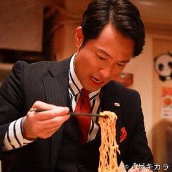 前川泰之扮するモテ男、中村嶺亜に激辛料理で「モテカラドウ」を伝授
