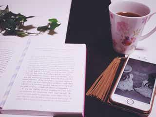 「既読にもならない…」気になる彼のLINEの返信が遅い理由4選/Photo by GIRLY DROP