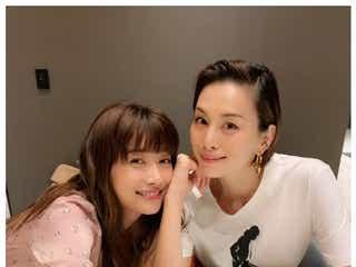 米倉涼子&ヨンア「ニヤニヤしちゃう」2ショットに「美が溢れてる」の声