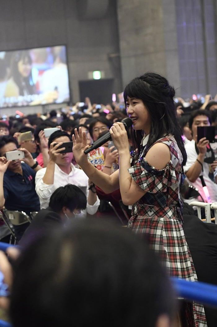 横山由依/「AKB48グループ感謝祭~ランクインコンサート~(1~16位)」より(C)AKS