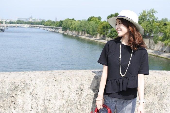 セーヌ川を散歩しながら記念にパシャリ (提供画像)