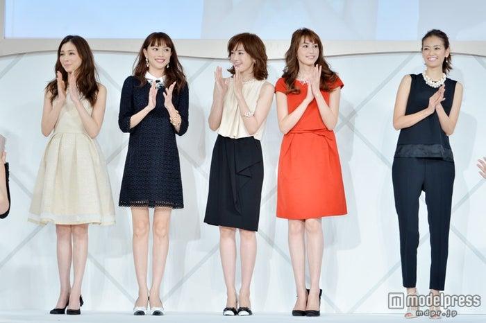 パーティーの様子(左から)押切もえ、蛯原友里、高垣麗子、有村実樹、葛岡碧