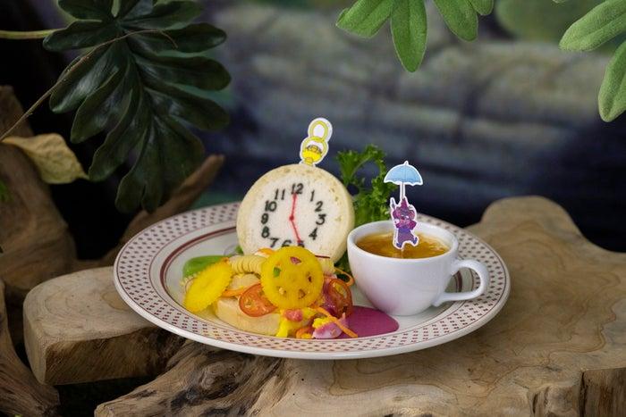 <白うさぎ>時間がない!ツナと野菜のマフィンサンド(C)Disney