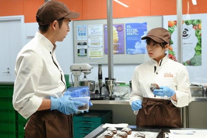 仲野太賀、森七菜/「この恋あたためますか」第2話より(C)TBS