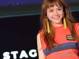 松井愛莉の笑顔が輝く ニューヨークで手つなぎランウェイ<「TGCファッションセレモニー at 国連DDR」モデルプレス現地取材>