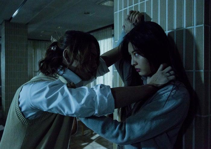 古畑星夏、池田純矢(C)2017「人狼ゲーム ラヴァーズ」製作委員会