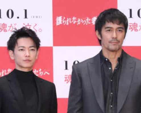 佐藤健、阿部寛のタフさに驚き「めちゃくちゃ走ったのにピンとしていた」
