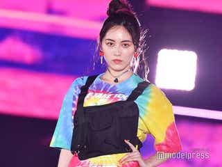 SKE48松井珠理奈、堂々モデルの顔に 派手ファッションでクールな魅力<GirlsAward 2019 SPRING/SUMMER>