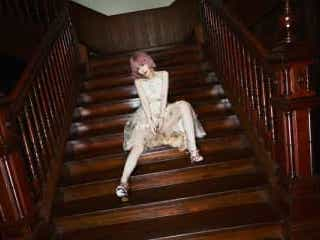 大森靖子、新ビジュアルを解禁&世界に13体しかないアルバム限定パッケージの抽選販売がスタート!