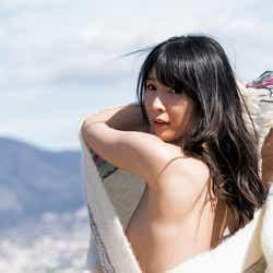 モデルプレス - 川崎あや、一糸まとわぬ姿も…芸能生活最後の表紙