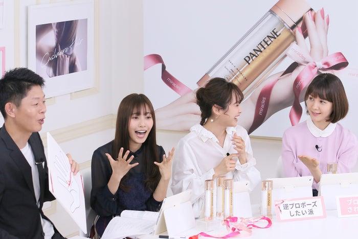 (左から)島田秀平、佐野ひなこ、高橋愛、トリンドル玲奈(提供写真)