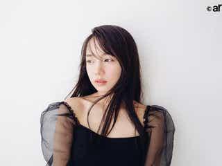 日向坂46齊藤京子、美デコルテに釘付け 理想の女性明かす