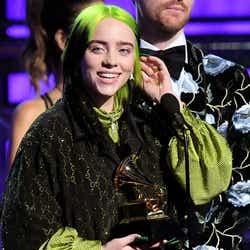 モデルプレス - 「グラミー賞」独占のビリー・アイリッシュ「アリアナが受賞すべき」スピーチもカッコイイと話題