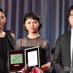 長澤まさみ、宮崎あおい、川村元気プロデューサー(C)モデルプレス