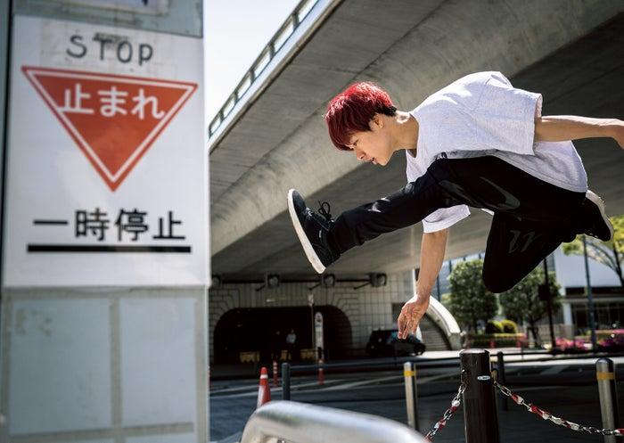 ZEN フォトエッセイ「FLY」(7月27日発売)/誌面カット(画像提供:所属事務所)