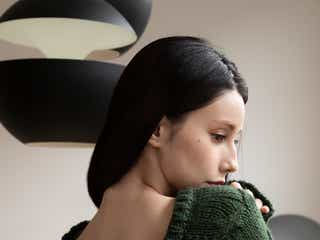 ダレノガレ明美、美背中披露 ミニマムコーデで存在感放つ