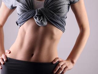 【ウエストの引き締めに!】腹筋を鍛えられる体幹トレーニング