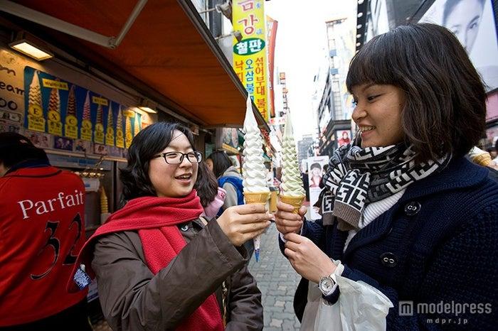 バニラ、チョコ、ヨーグルトなど味のバリエーションも豊富、ひとつ2,000ウォン