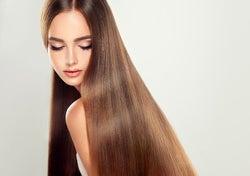 寝ている間に髪が傷む!? きれいな髪を守るための注意点