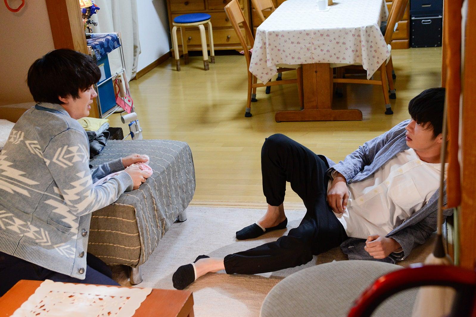 林遣都、田中圭/「おっさんずラブ」第6話より