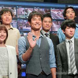 (前列左から)本田翼、沢村一樹、横山裕(後列左から)平田満、伊藤淳史、柄本時生 (C)モデルプレス