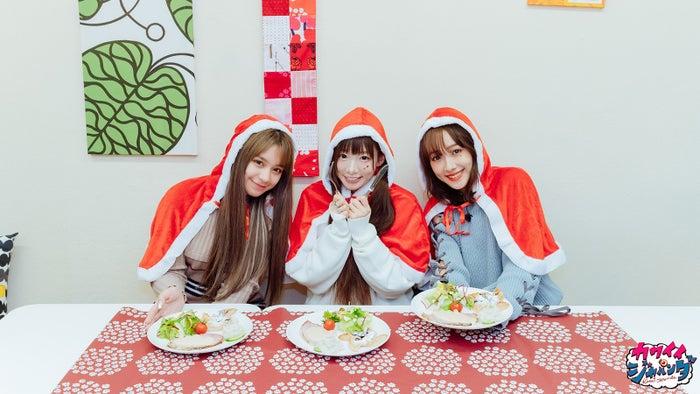 関口さくら、椎名ひかり、前田希美/クリスマスディナー(フィンランド)(写真提供:MBS)