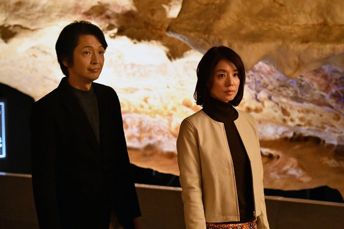 岡田浩暉、石田ゆり子(C)TBS
