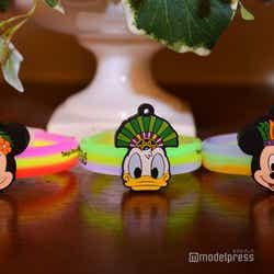 ブレスレットケミカルライト各500円(C)モデルプレス(C)Disney