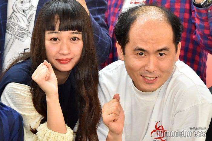 斎藤司&小川暖奈(C)モデルプレス