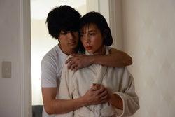 山田裕貴、仲里依紗/「ホリデイラブ」第3話より(C)テレビ朝日