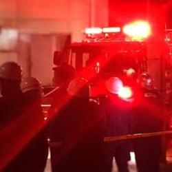 未明の火災で消防隊が出動 福岡市南区長丘5丁目