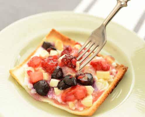 食パンと冷凍ベリーで!植松良枝さんの「ミックスベリーのクリスピーピッツァ」【調理家電でラク家事ごはん #16】