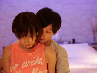 """光宗薫、下着姿でホテルに…""""危険""""な大胆シーンに視聴者興奮「神回」「目が離せない」"""