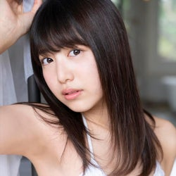 吉田莉桜、水着で美ボディ披露 シンデレラガールのフレッシュな魅力