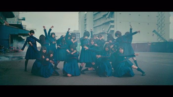 欅坂46「不協和音」MVより(画像提供:ソニー・ミュージックレーベルズ)