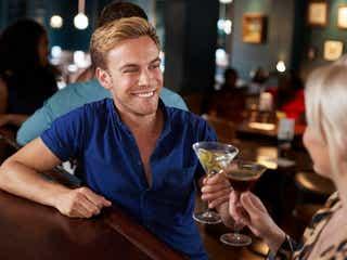 男性の心を惹きつける「飲み会でのモテ言動」って?