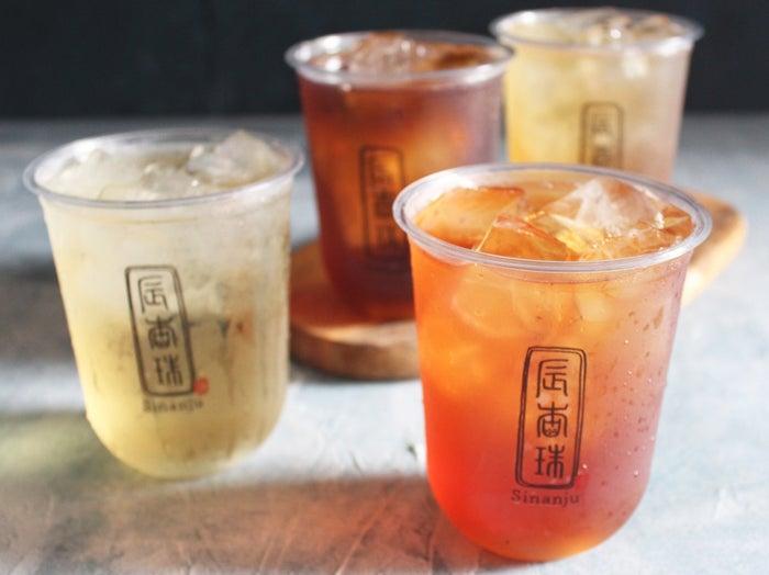 ストレートティー¥350~(凍頂烏龍茶/アッサム/ほうじ茶/ジャスミン)画像提供:サクラブルーコーポレーション