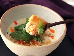 豆乳に「お酢」を注ぐだけでフワッフワ! 台湾の朝食グルメ「鹹豆漿(シェントウジャン)」の作り方