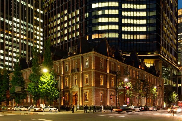 夜間ライトアップされた姿も素敵/画像提供:三菱一号館美術館