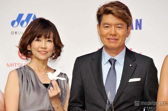 (左から)松本伊代、ヒロミ
