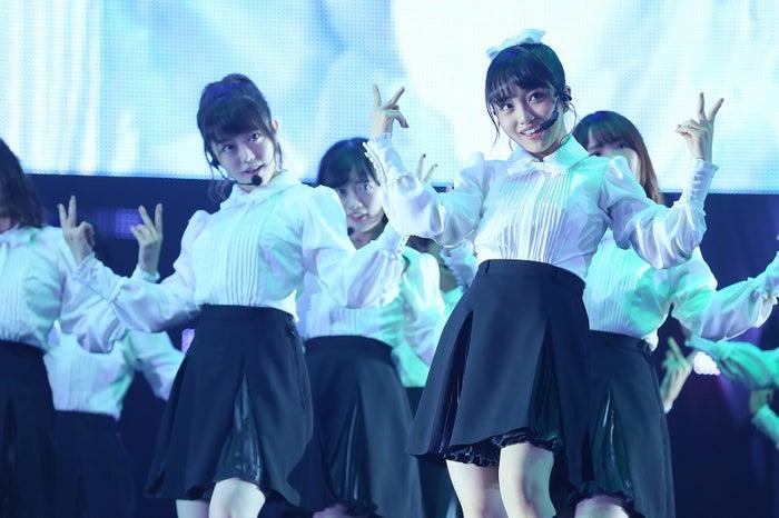 「AKB48グループ感謝祭~ランクインコンサート~(17~80位)」より(C)AKS